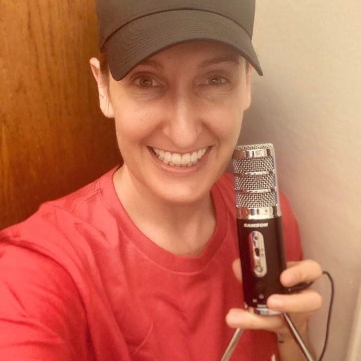 """The quality of the Satellite microphone makes a huge difference in how I sound even when speaking. This is huge for auditions and I'm grateful to have it because it levels me up as a performer."" 🎭 Actress and physical therapist Jenna Cavanaugh leads a Facebook group - NYC Musical Theatre Performers - dedicated to giving performers an outlet during these unprecedented times. Find Jenna on social media!..."